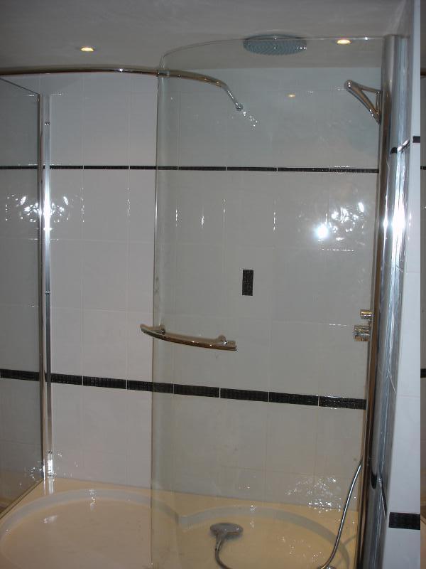 Bouwbedrijf c schouten v o f badkamers - Huidige badkamer ...